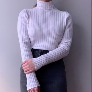 Vintage turtleneck ribbed long-sleeve white top